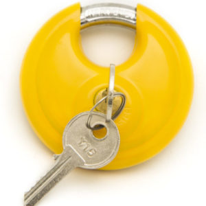 cropped-D70KA-Y-Key-In-Shackle-Closed-1.jpg